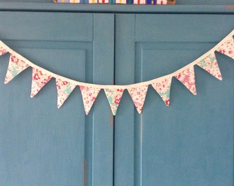 Pretty pastel coloured vintage floral bunting!