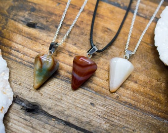Fluorite Pendant Pendulum,Fluorite Crystal Necklace,Natural Stone Jewelry,Healing Crystal,Gemini Stone,Virgo Stone,Gift for Him,Gift for Her