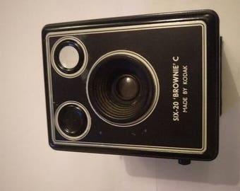 Vintage Kodak Six-20 Brownie Camera
