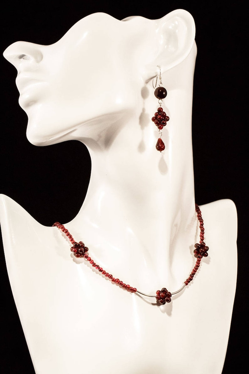 Garnet Gemstones January Birthstone. 925 Stunning Contemporary Mother of the Bride Statement Jewelry Art Deco Beaded Necklace /& Earring