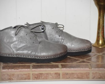 7.5 US/ 8 US Leather Boots Grey Mouse Laces and Zipper / Never Worn