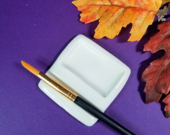 PAINT PALETTE | White | 1 Well With Brush Rest | Artist Gift