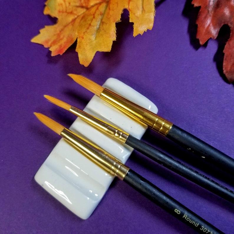 BRUSH REST  White  4 Brush Rest  Rectangle image 0