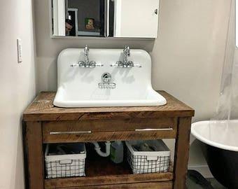 Impressive Vintage Bathroom Vanity Design