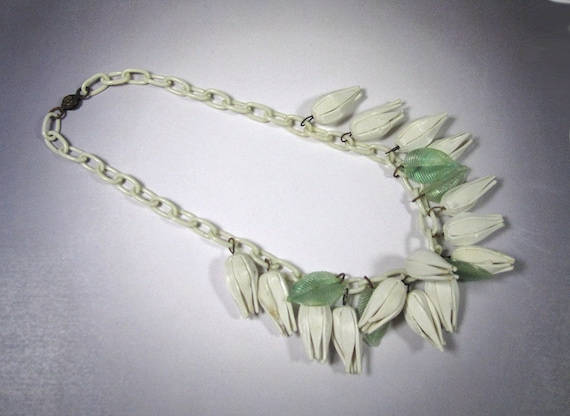 Vintage White Celluloid Flower Necklace, Vintage 4