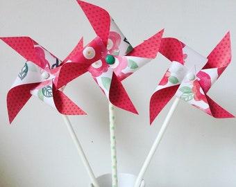 moulin à vent fleurs rouges