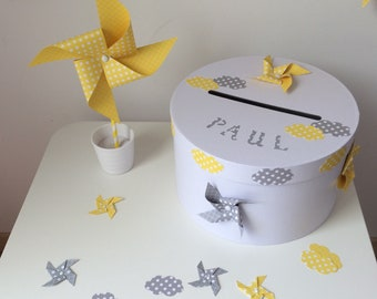 Urn yellow windmill, grey