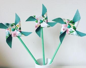 moulin à vent fleurs vertes