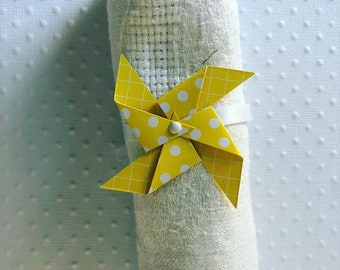 Yellow windmill napkin ring