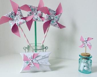 moulin à vent sur pic rose & fleurs
