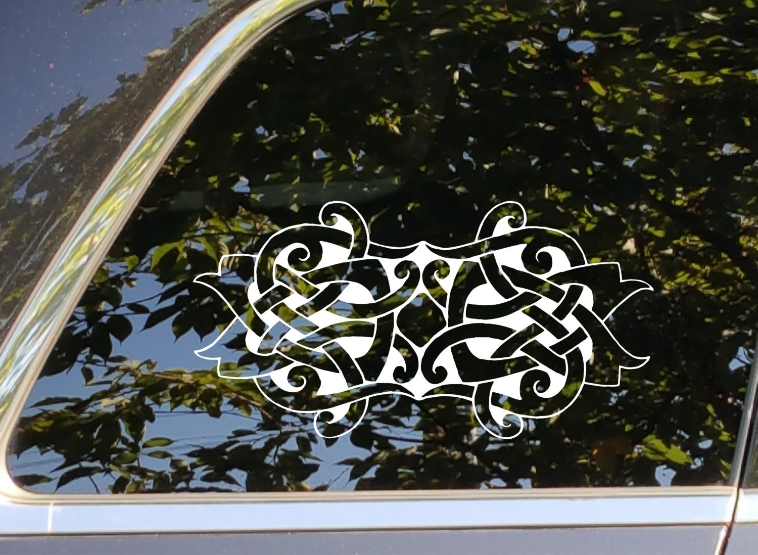 Celtic knot vinyl decal sticker bumper sticker accessory for automotive car cell computer cups glass mugs phone window decoration