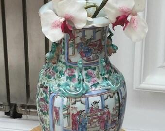 Large 19th Century Chinese Cantonese famile rose vase