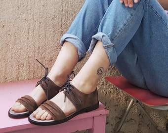 bd3e505f0 Hangman Sandals in Rust brown leather