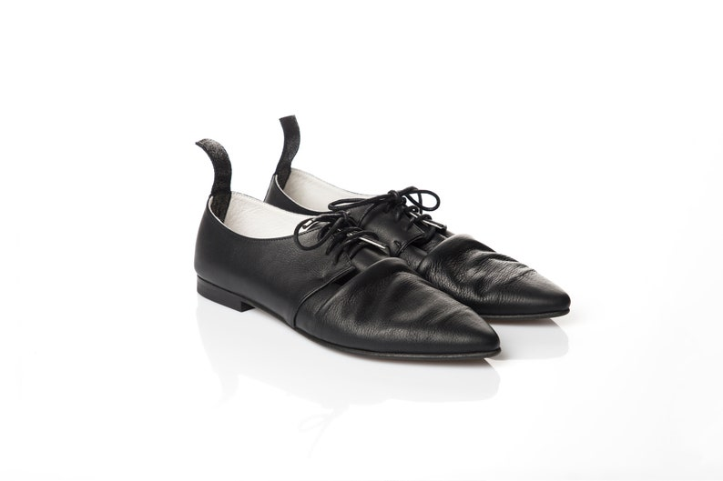 c9a5f786268bc Pointy black leather oxfords with wrinkles, women shoes, women oxford  shoes, vintage style shoes, flat tie oxfords, lace up derby shoes