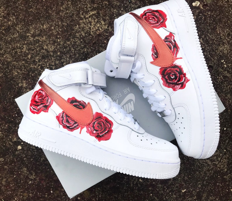 code promo d8263 4d5dc Rose nike Air Force one mids