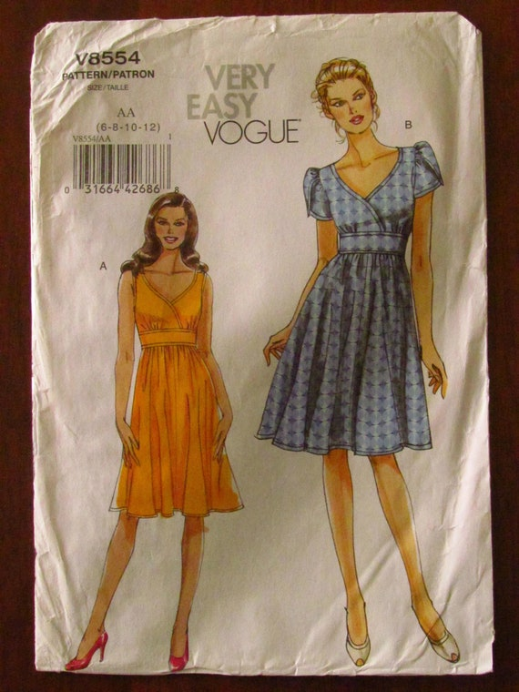 VOGUE DRESSMAKING PATTERN 8554 Ladies Dress, Fitted Bodice, Lined, Tulip Sleeves, Petite Size (6 8 10 12), (14 16 18 20 22) Uncut