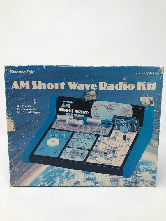 SCIENCE FAIR 28-176 AM SHORT WAVE RADIO KIT NOS