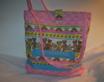 Pink tote with teddy bears on parade.  T112pb