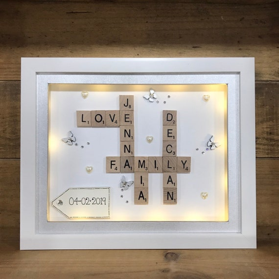 PERSONALISED LED LIGHT BOX FRAME LARGE FAMILY TREE FRIENDS SCRABBLE CHRISTMAS