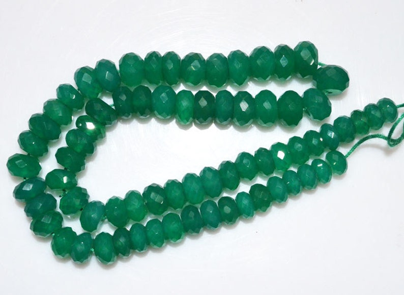 Natural Green Onyx Faceted Rondelle Beads 14 Inch Strand Green Onyx Faceted Rondelle Beads MC843 7-10 mm