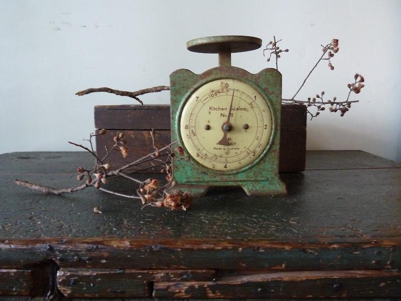 Incredible Vintage Kitchen Scales Rare Green Made In Australia Vintage Kitchen Scales Vintage Kitchen Vintage Scale Vintage Scales Download Free Architecture Designs Xoliawazosbritishbridgeorg