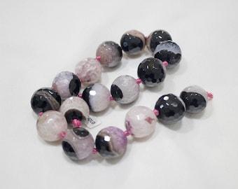 Black Agate streaked (unthreaded stones)