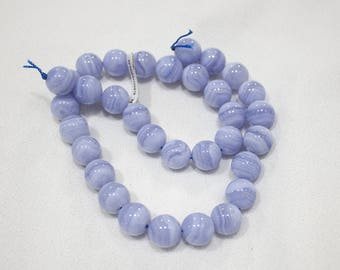Chalcedon striata (unthreaded stones)
