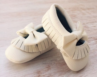 Soft White Bow Moccasin/pre walkers/first walkers shoes