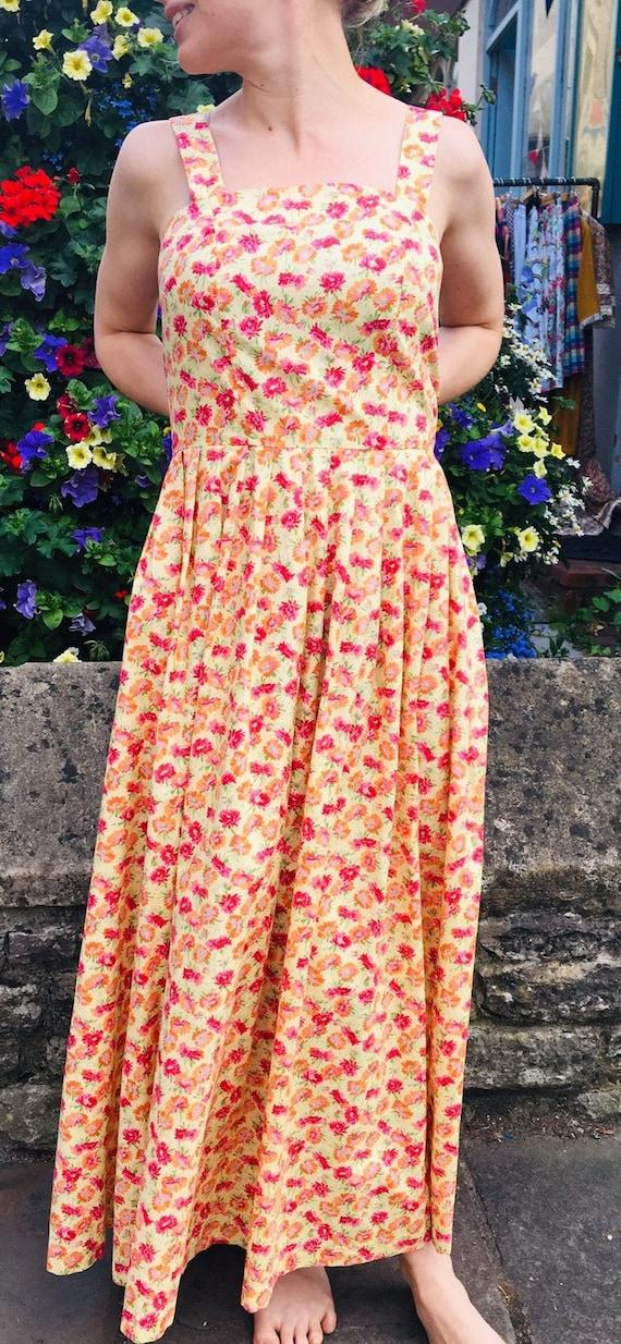 Beautiful Summery Yellow Floral Sundress, 90s Laur