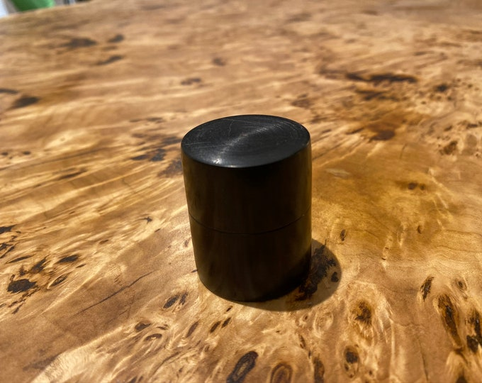 Ebony Ring Pot