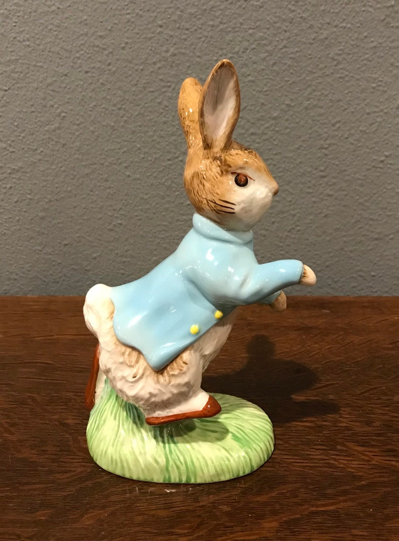 England Copyright 1992- Large Peter Rabbit Figurine Beatrix Potter Figurine- Royal Doulton Beswick Peter Rabbit 100th Anniversary