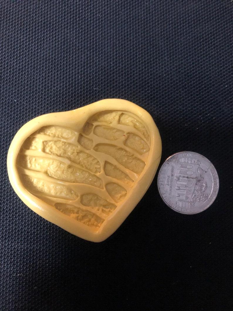 Concha Heart Mold