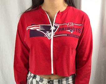 9ecaeaf3317ee Vintage New England Patriots Cropped Long Sleeve Zip-up Tee (M)