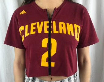 c93b44b314f Vintage Cleveland Cavaliers Cropped Zip-Up Tee (M)