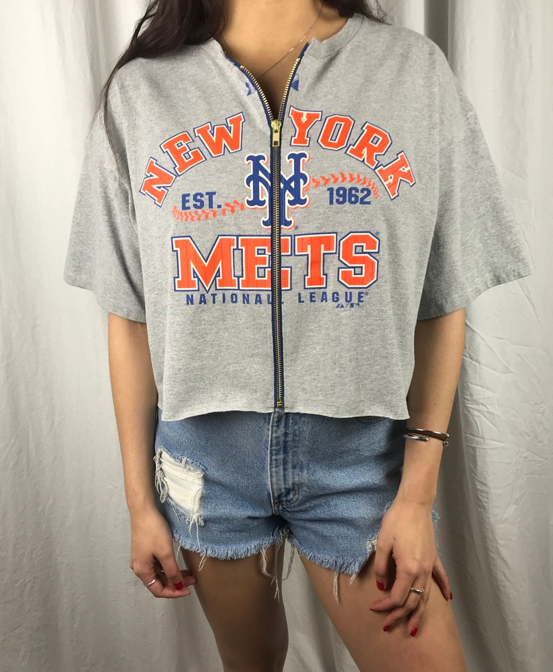 new concept f5278 cd982 Vintage New York Mets Cropped Zip-Up Tee (XL)