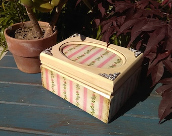 Up-cycled Shabby Chic Jewelry Box Pink with Flowers