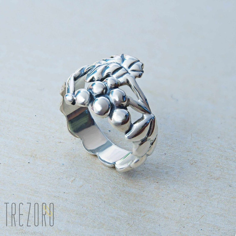 Unusual Original Quirky Jewelry Sterling Silver  Grape and Leafe Le Chateau Ring