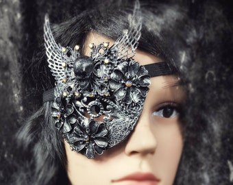"Eye Patch ""Pirate Queen "", blind mask,  Metall Augenklappe mit Totenschädel und Metallblumen, different colours available, Antique look"