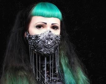 """Mouth Mask """"Jeanne d'Arc"""", Jaw mask Unterkiefer Maske, Mundschutz aus filigranen Metallteilen und Ketten, Antique look /  MADE TO ORDER"""