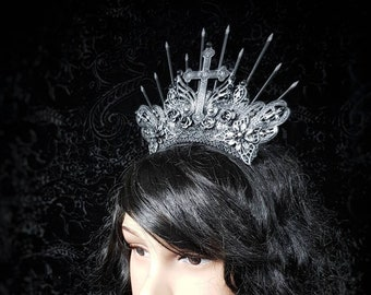 """Quickly available, Gothic Crown """"Classic goth"""" halo Headpiece in different colours available/Gothic Krone,fast available"""