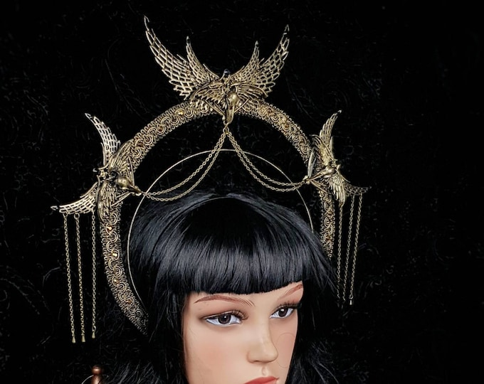 "Heiligenschein "" holy crow""  Haarreif, Halo, Gothic Crown, gothic headpiece, goth headpiece, holy crown, goth crown / Made to order"