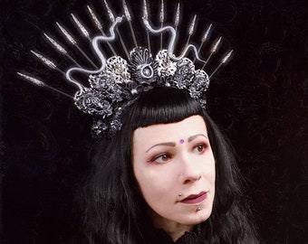 "Halo headpiece ""Head of Medusa"" in black/gold or silver/black, Snakes Headdress, Headdress/MADE TO ORDER"