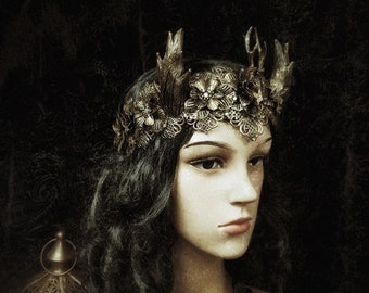 Crown of the green man, headpiece, Antlers, Pagan crown with horns, deer skull cabochon in different color/ MADE TO ORDER