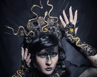 Medusa Snake Halo headpiece in black/gold, Snakes Headdress/MADE TO ORDER