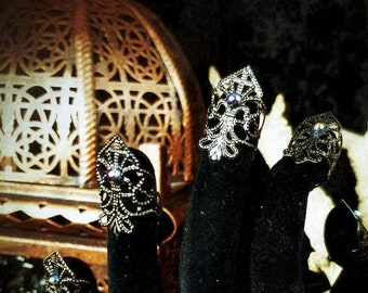 """10 pieces, """"Black Pearl"""" finger claws with pearls /finger claws, fingerclaws with small beads, metal claws, metal glove, goth"""
