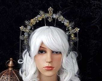 "RAEDY TO SHIP / Halo "" Spooky Spider"" , gothic crown, skull crown, gothic headpiece, goth crown, blind mask, medusa costume, fantasy"