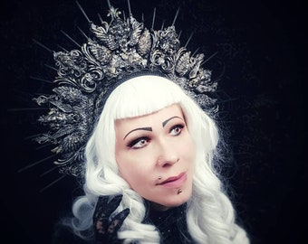"Halo headpiece ""Baroque Lady"" with resin ornaments, headdress Baroque Lady/MADE TO ORDER in different colours"