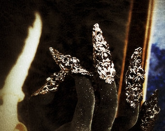 """Finger claws """"Spider"""" in black gold with/fantasy finger claws in black gold with spiders, dragon claws for shoot"""