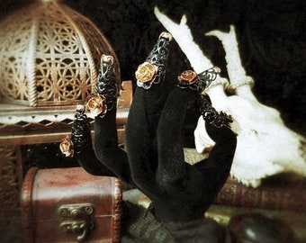 Lady of the Roses, finger metal claws in black with bronze red/finger fantasy claws in black with small bronze colored roses