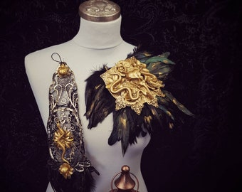 Set of 2 Raven snakes gloves and 2 matching epaulettes, medusa costume, medusa, cleopatra, Made to order